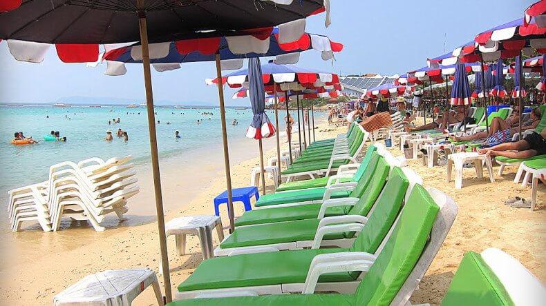 Пляж Самае на острове Ко Лан