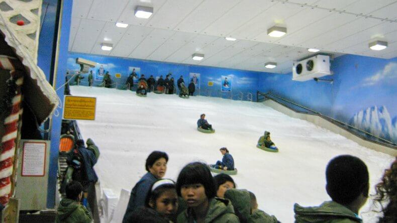 Снежный городок - Dream World Парк развлечений в Бангкоке