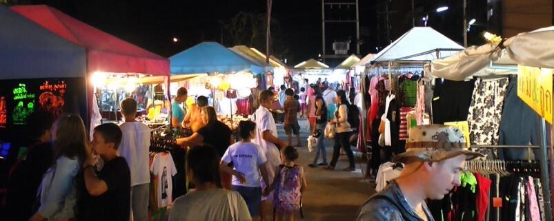 Ночной рынок Theprasit Market в Паттайе