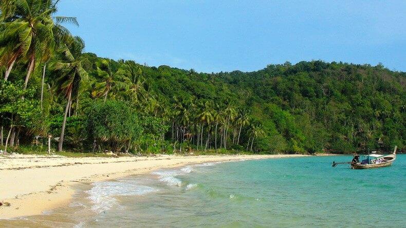 Пляж Ло Му Ди на островах Пхи Пхи
