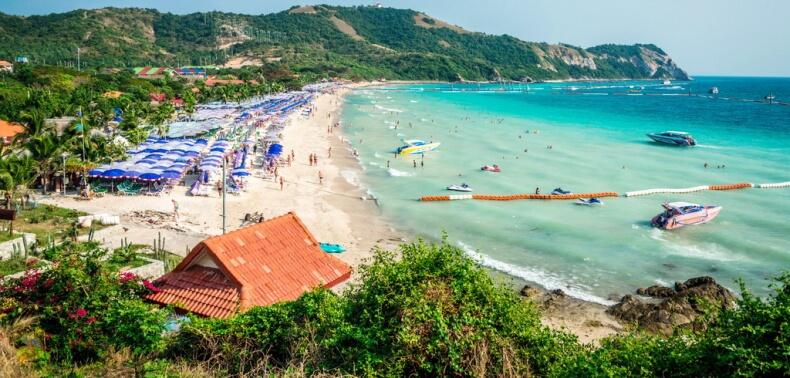 Пляж Самае острова Ko Лан