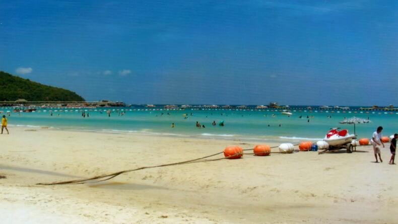 Остров Ko Лан в Тайланде