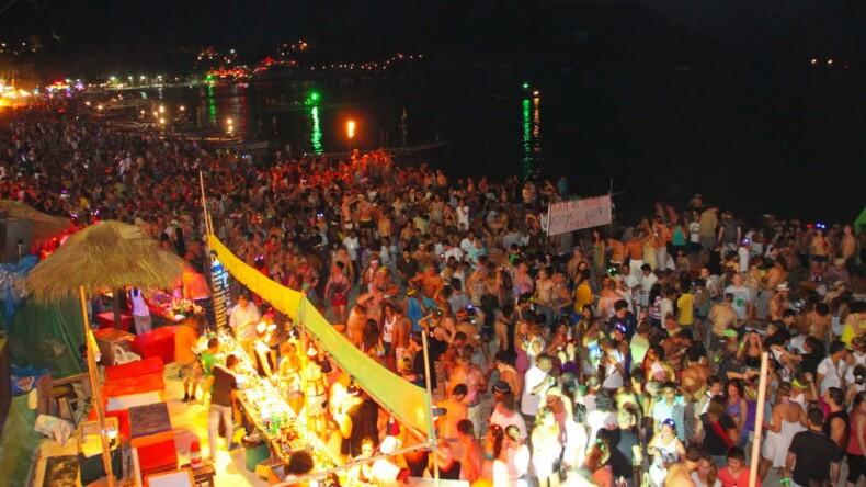 Вечеринка Фул Мун Пати на острове Панган
