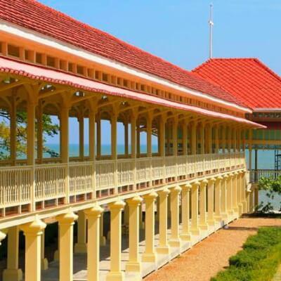 Тиковый Дворец в Хуа Хине
