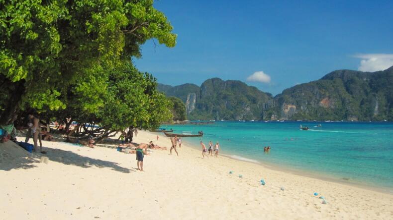 Пляж Лонг Бич на острове Пхи Пхи