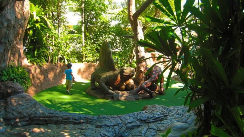 Парк динозавров на Пхукете