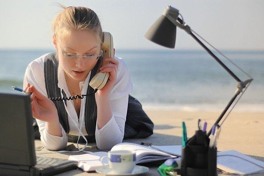 Работа в тайланде модели работа в офисе девушка