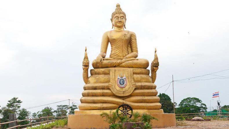 Малая статуя у Большого Будды на Пхукете