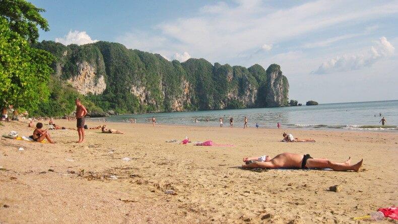 Пляж Ао Нанг в провинции Краби