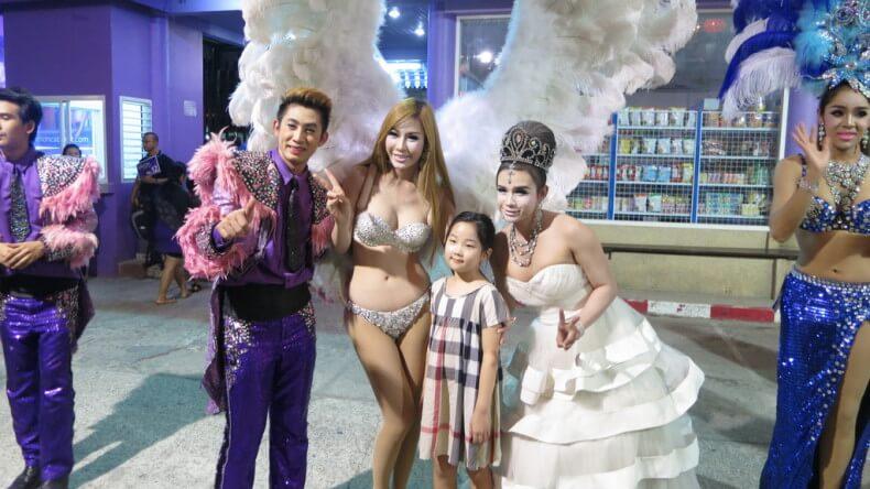 Шоу трансвеститов Саймон Кабаре на Пхукете