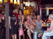 Как тайцы относятся к иностранцам