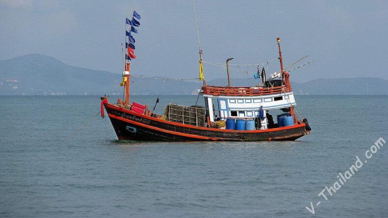 Рыбацкий баркас в Тайланде