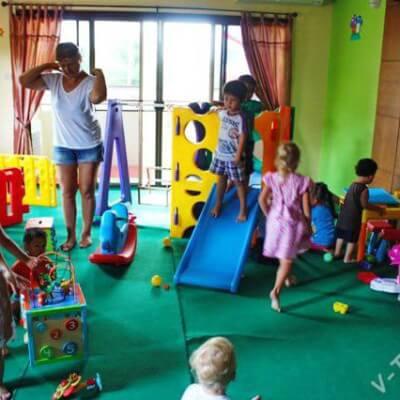 """Детский развивающий центр """"Лукоморье"""" в русском поселке"""