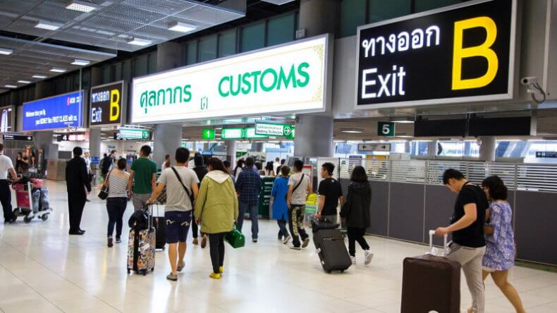 Таможня аэропорта Суварнабхуми в Бангкоке