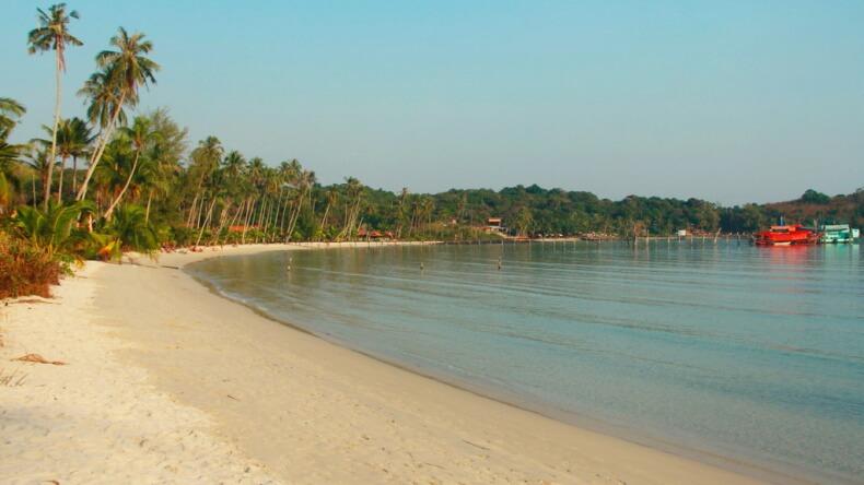 Пляж Банг Бао на острове Ко Куд