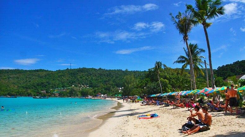Пляж Ло Далам на острове Пхи Пхи