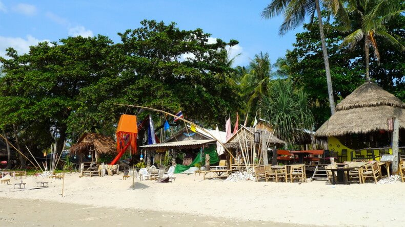 Пляж Klong Khong Beach на острове Ко Ланта