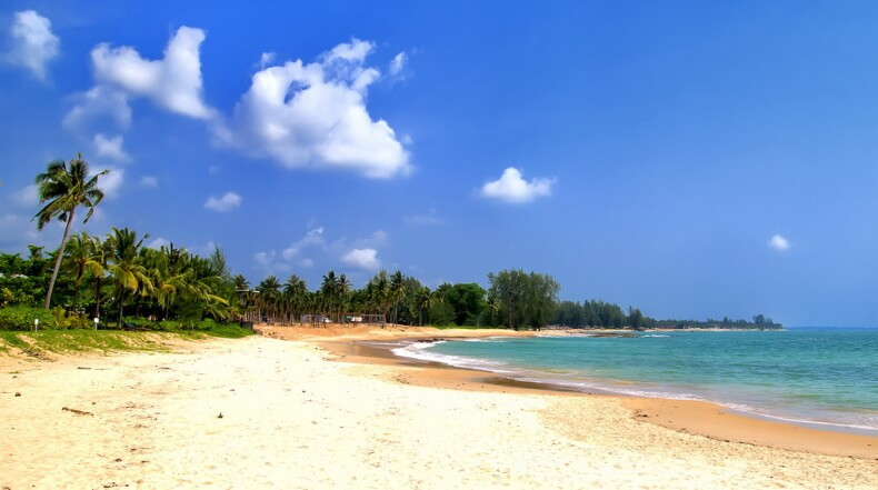 Пляж Нанг Тонг на курорте Као Лак