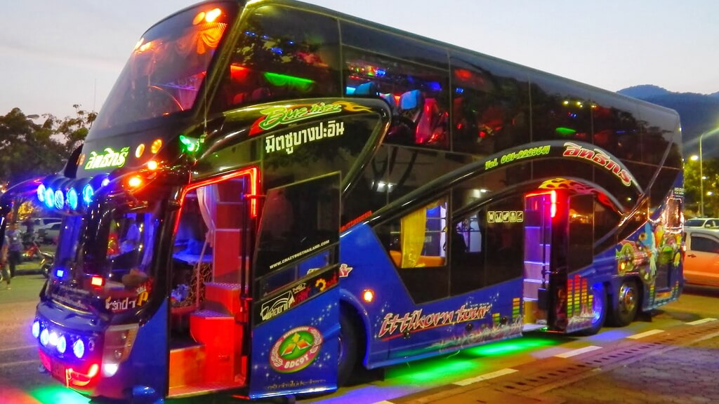 thailand bus Buses and coaches working in thailand s many provinces this of course include`s songthiews,pick-ups and many other version`s of thai road passenger transport.