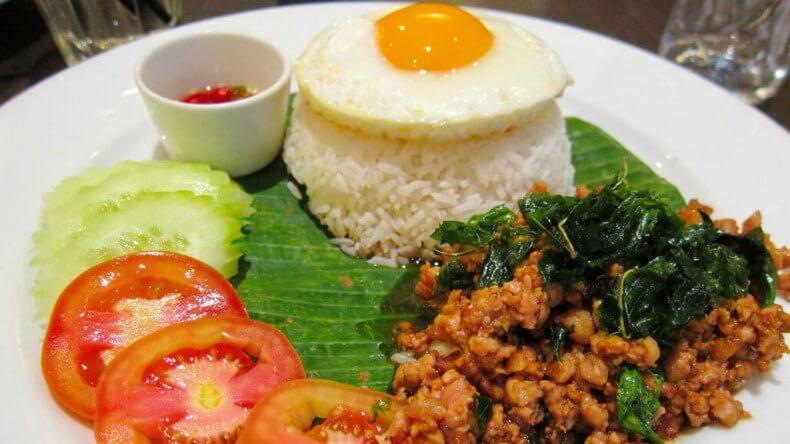 Блюда тайской кухни - Пад Капао (Pad Krapao)