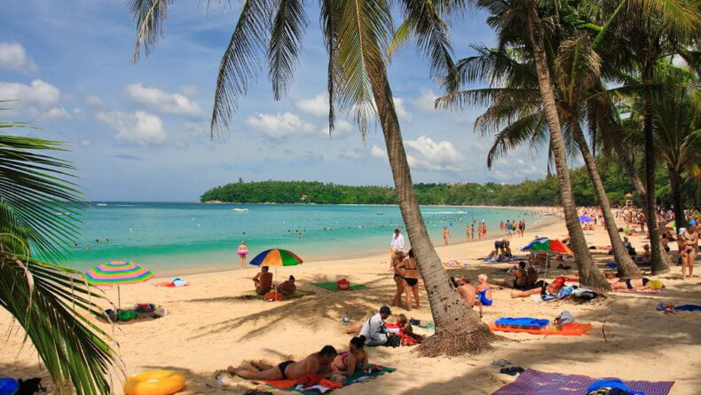 Пляж Ката Бич на острове Пхукет