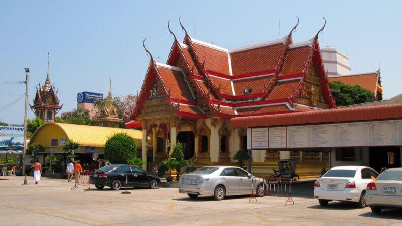 Храм Wat Ampharam в Хуа Хине