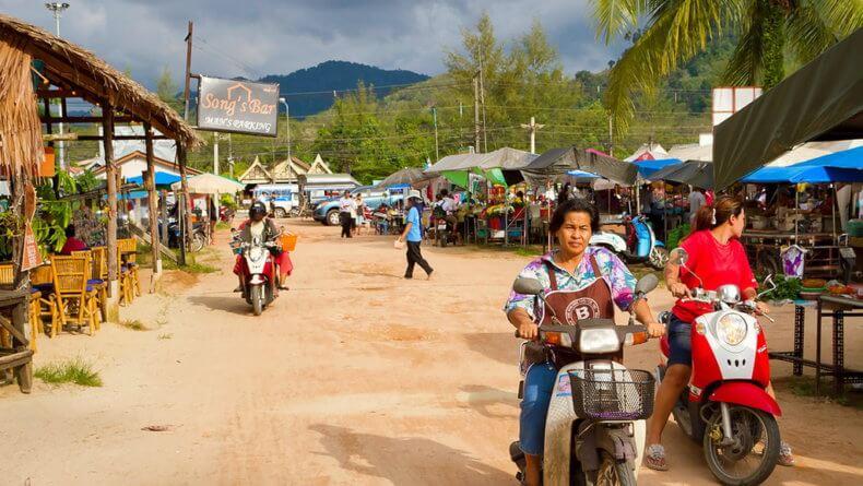 Рынок в Као Лак