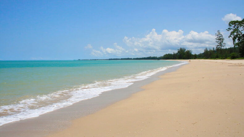 Пляж Кхук Кхак (Khuk Khak Beach) в Као Лак