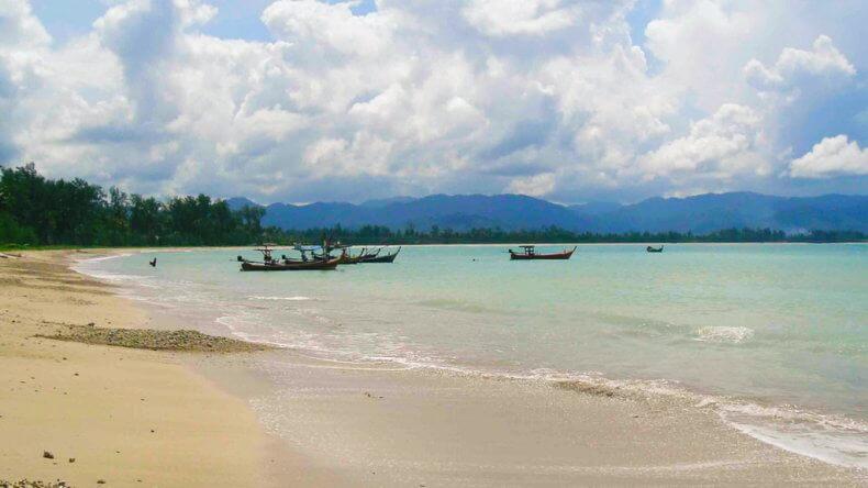 Пляж Пакаранг (Pakarang Beach) в Као Лак