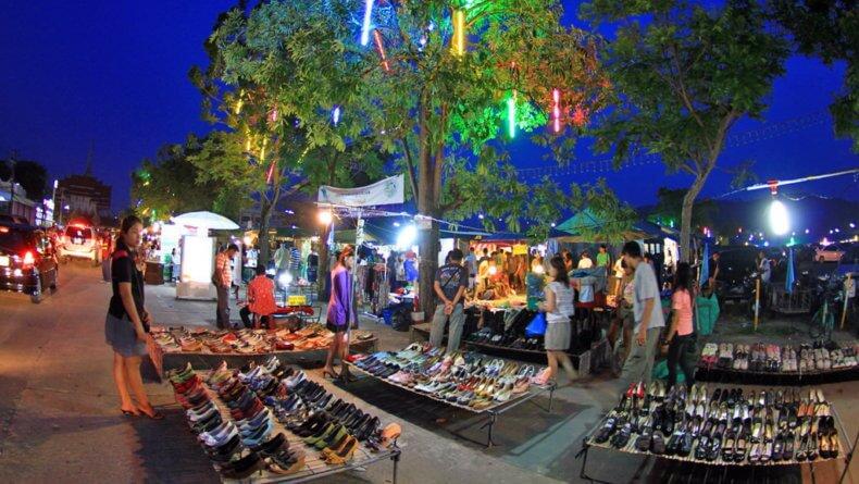 Ночной рынок в Пхукет Таун