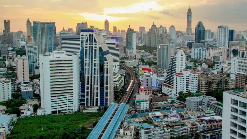 Район Сукхумвит (Sukhumvit) в Бангкоке