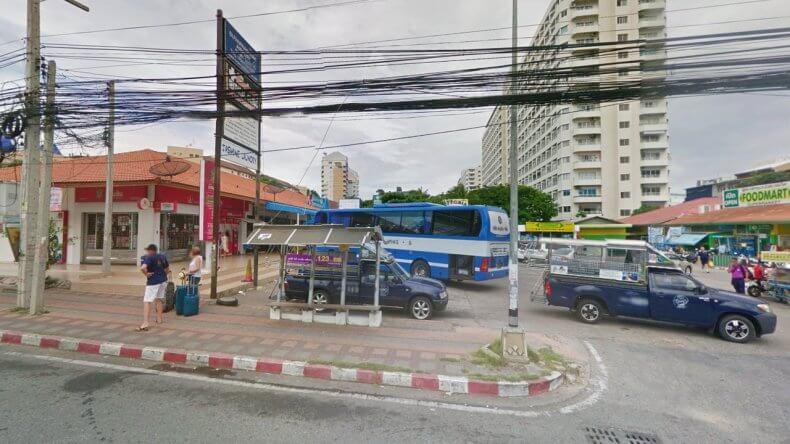 Автовокзал на улице Thap Praya Road в Паттайе