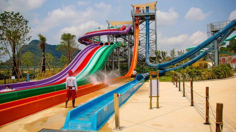 Экстремальные горки Aqualoop и Freefall в аквапарке Рамаяна Паттайи