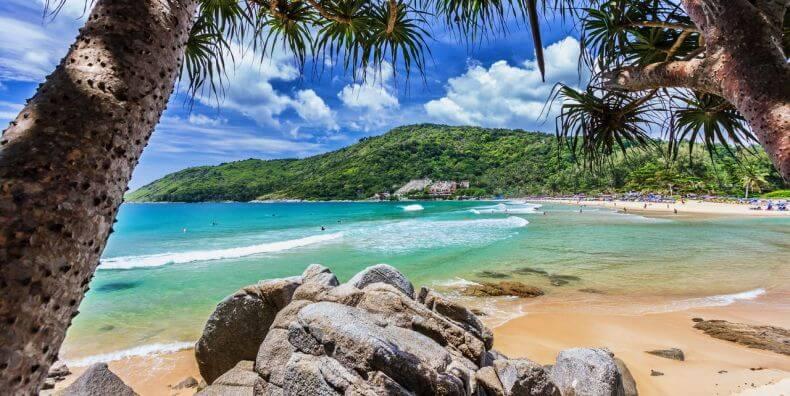 Лучшие пляжи для отдыха с детьми на Пхукете - Най Харн