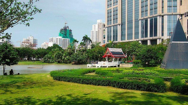 Парк Бенчасири в Бангкоке