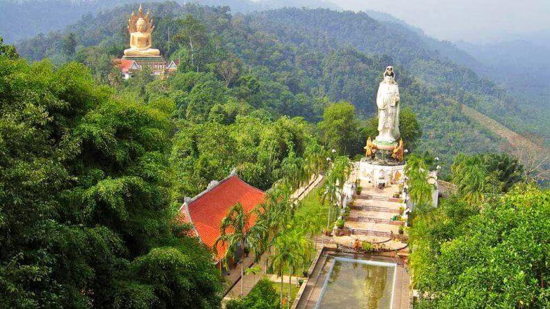 Храм Wat Bang Riang в Краби