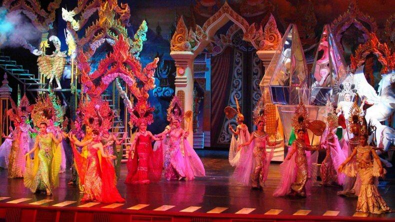 Театр Алангкарн в Паттайе