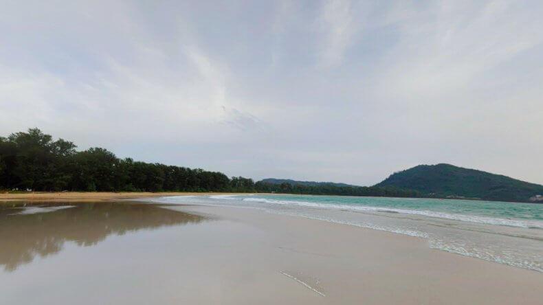 Северная часть пляжа Най Янг Бич на Пхукете