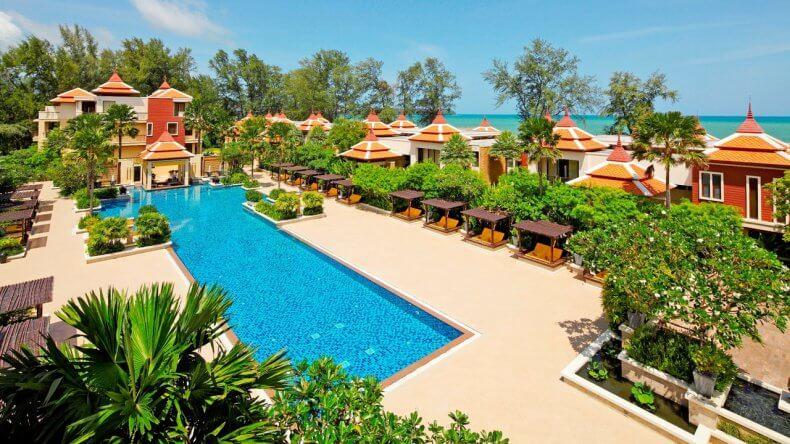 Отель Moevenpick Resort Bangtao Beach Phuket на пляже Банг Тао Бич